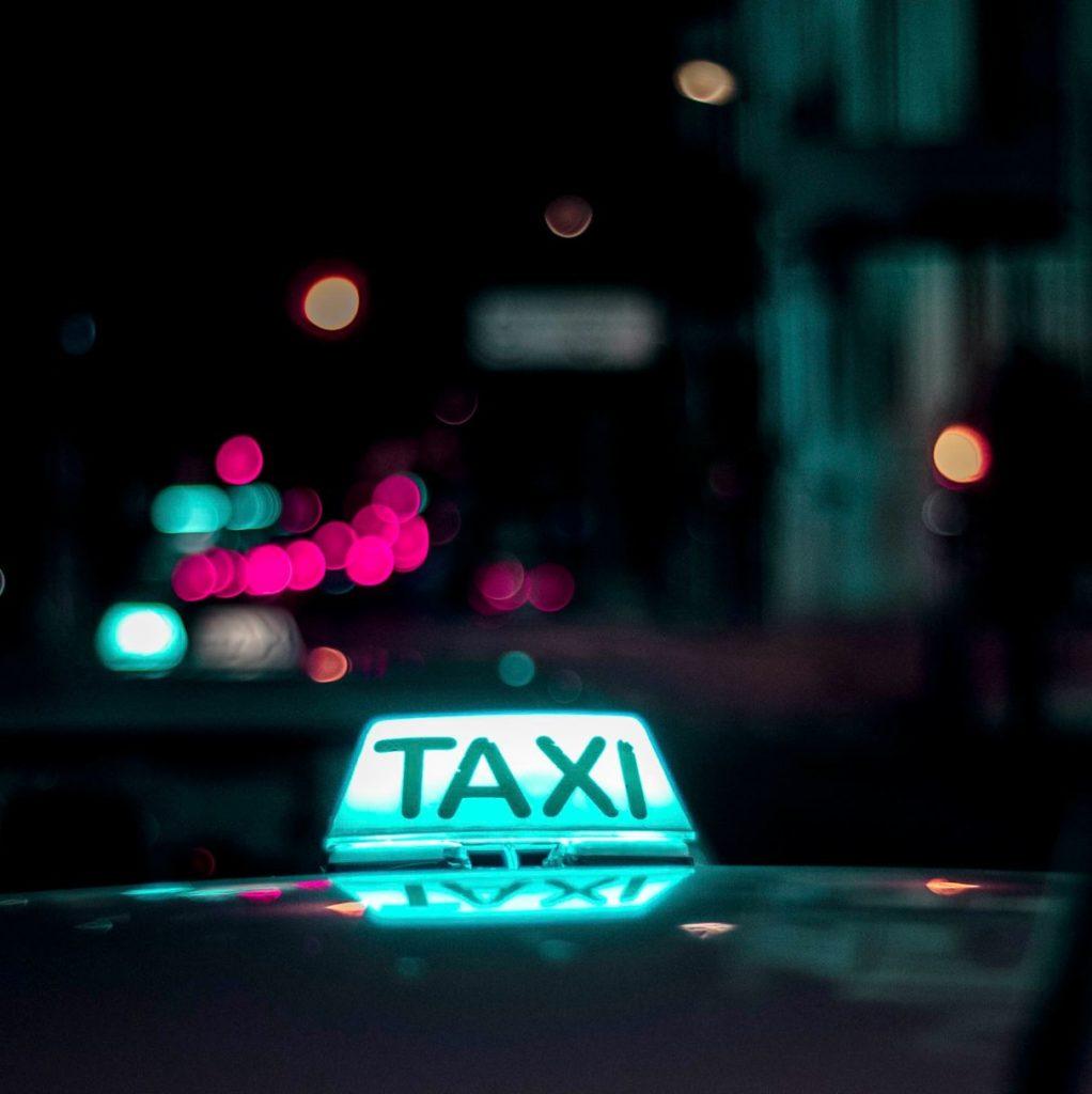 taxi mediolan