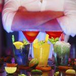 Proste kolorowe drinki z wódką